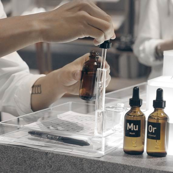 Perfume manufacturing process